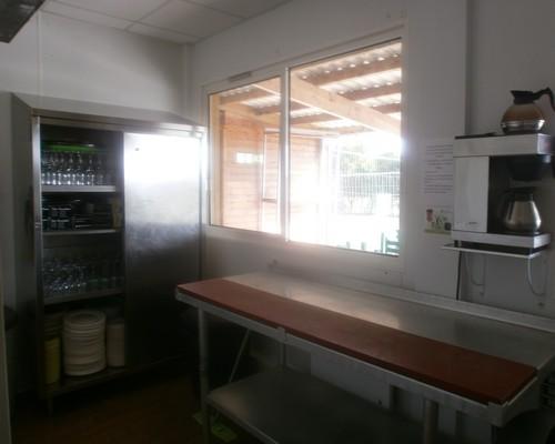 cuisine de la salle location de salle jardin vaisselle à disposition
